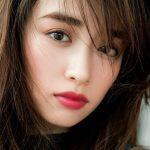 泉里香のメイクはアイメイクがポイント!愛用コスメ道具で眉毛のコツも!